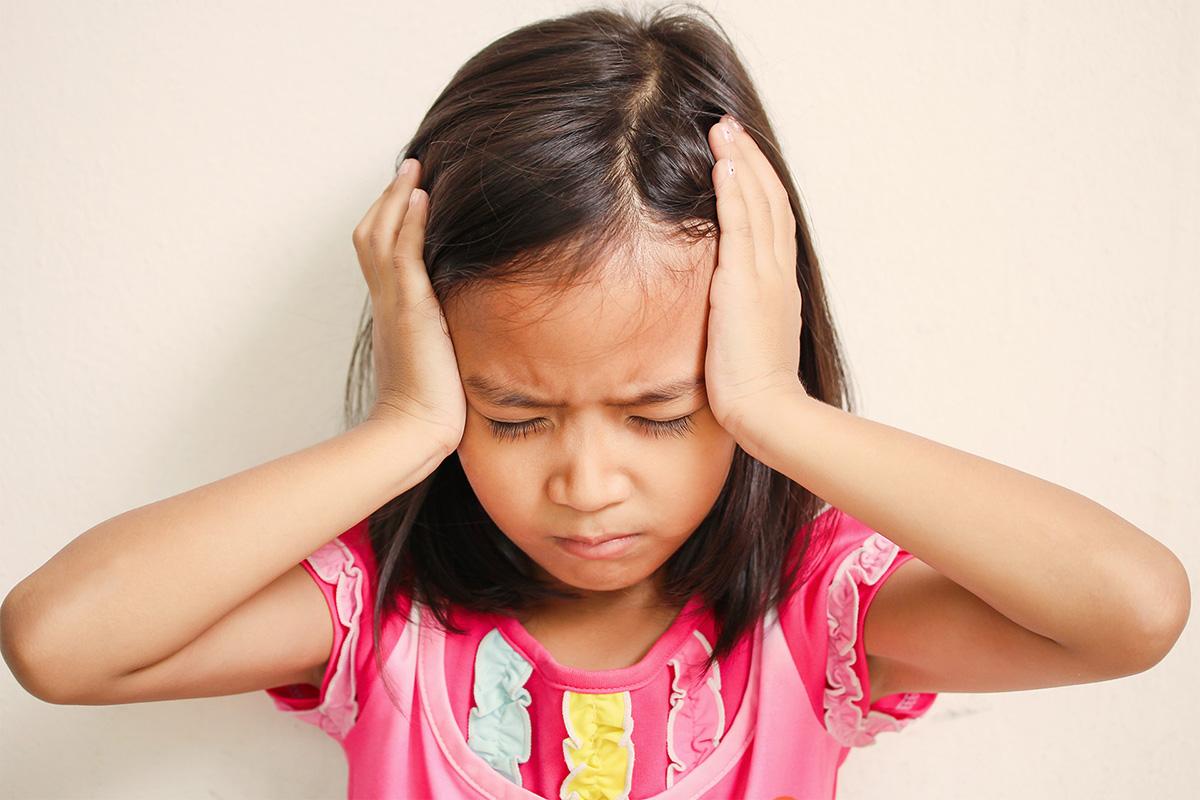 hoofdpijn-bij-kinderen